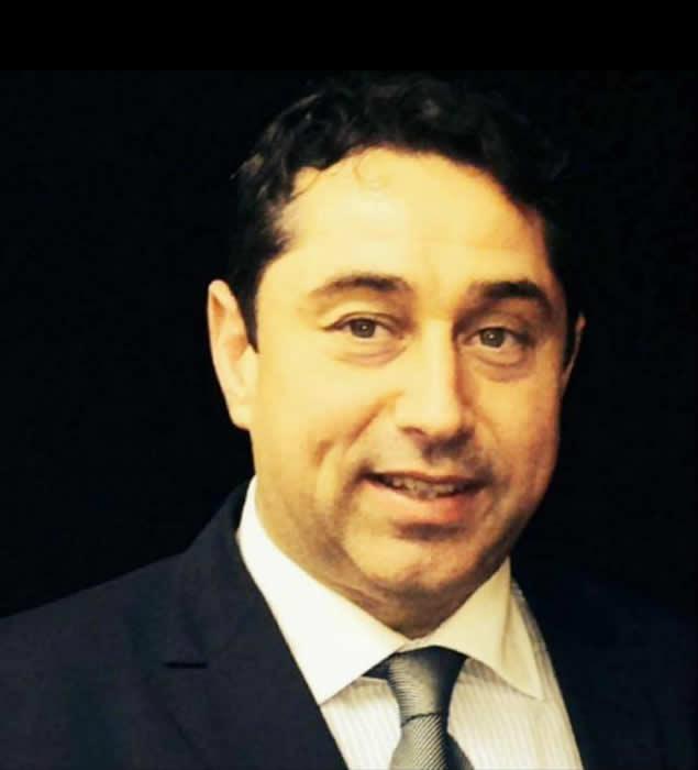 Dr. Cristian David